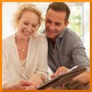 Frau und Mann Beratung Kunden binden
